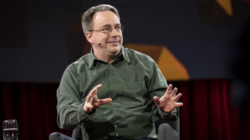 Linus Torvalds dice que las cosas van bien con Linux Kernel 5.0, lanza el segundo RC